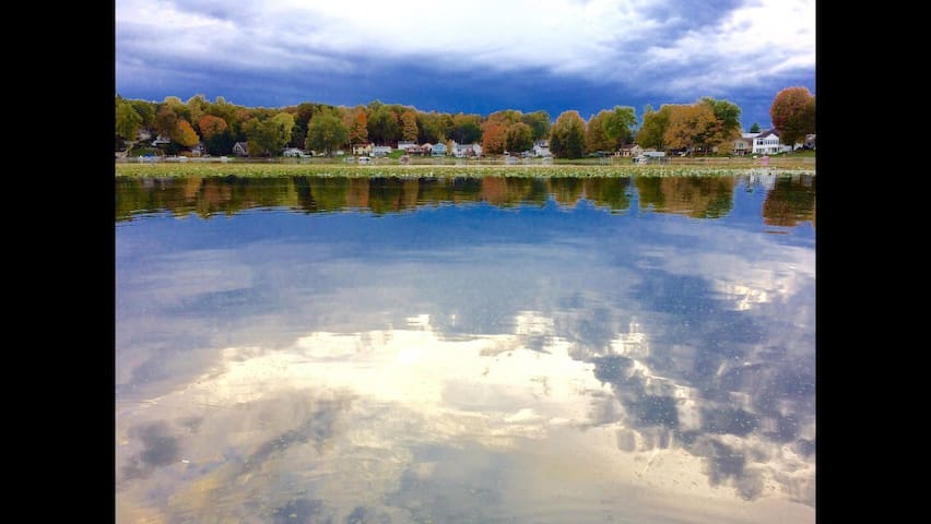 All sports lake, 4 bedroom home on Big Long Lake
