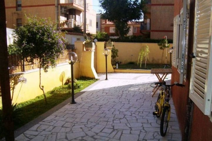150 meters from the sea - Anzio - House