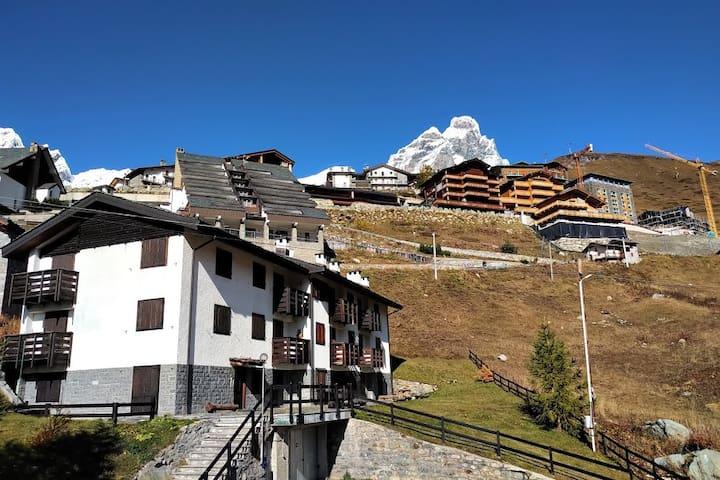 Cervinia op de slopes sunny ski-in ski-out wifi