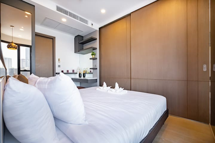 Smart Layout for 1 Bedroom. Maximize space and highest sleep quality.