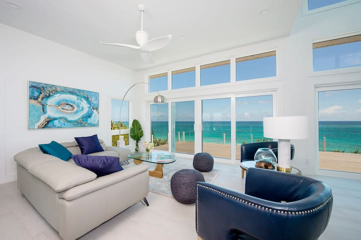 Stunning New Secluded Beachfront House with Pool