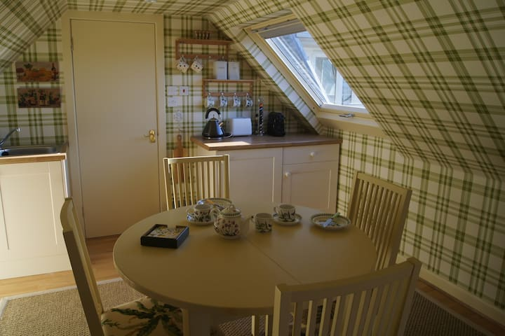 Modern Studio Apartment with private entrance - Gullane