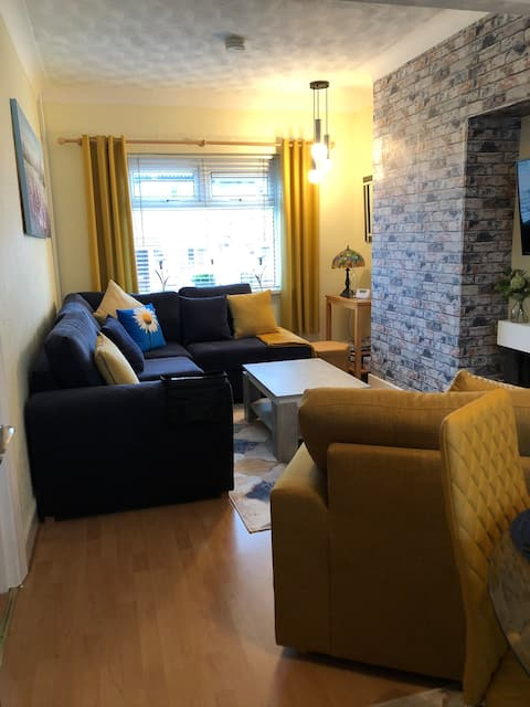 Daisy cottage, Just minutes from Belfast town