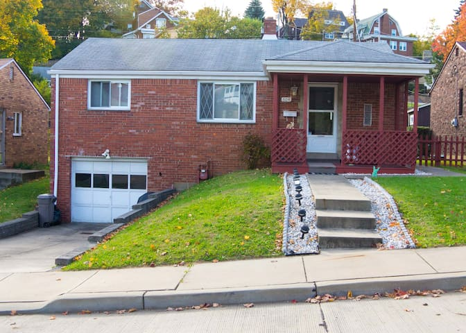 2 bedroom home available for rent - Pittsburgh - Hús