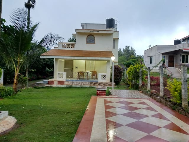 """""""SAI"""" holiday Garden cottage,2 bedrooms ,lawn view"""