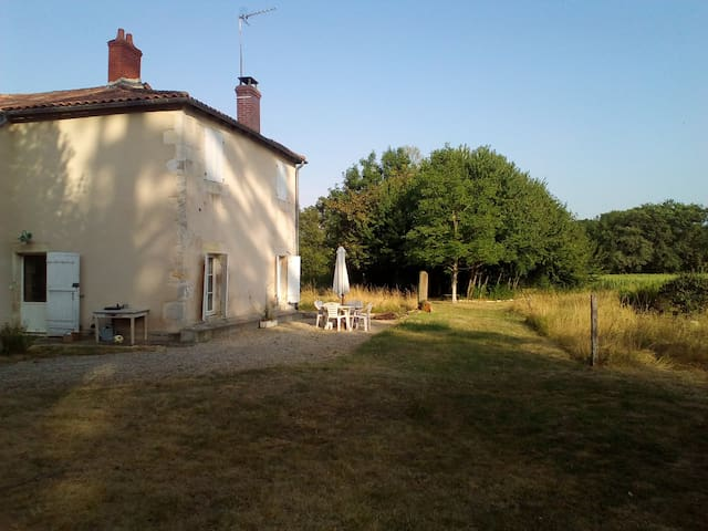 Character property near Poitiers
