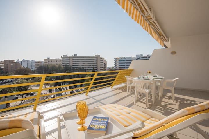 Vilamoura Sunny Apartment with Pool