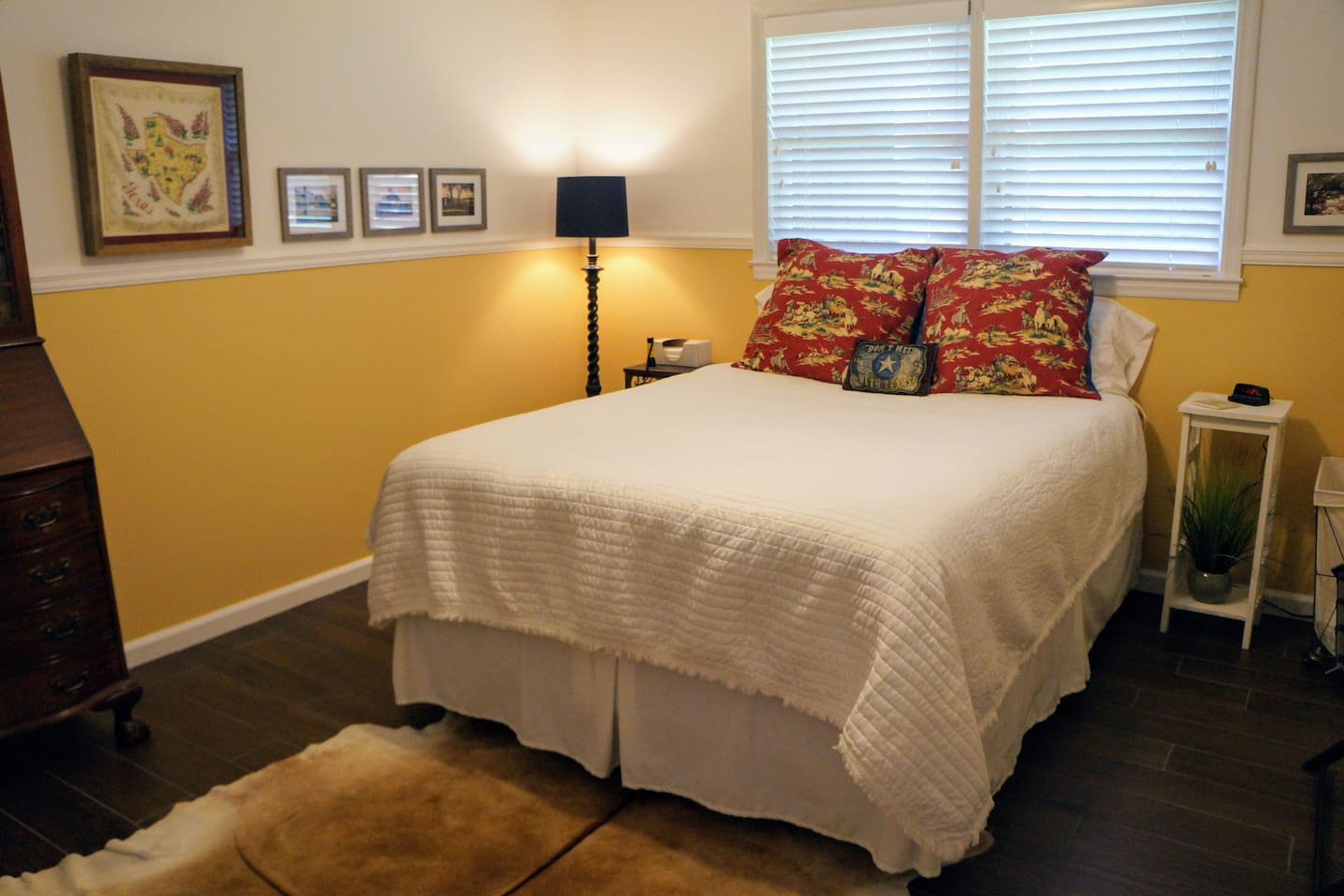 The spacious bedroom with delightfully comfortable queen size bed. A ceiling fan in each room.