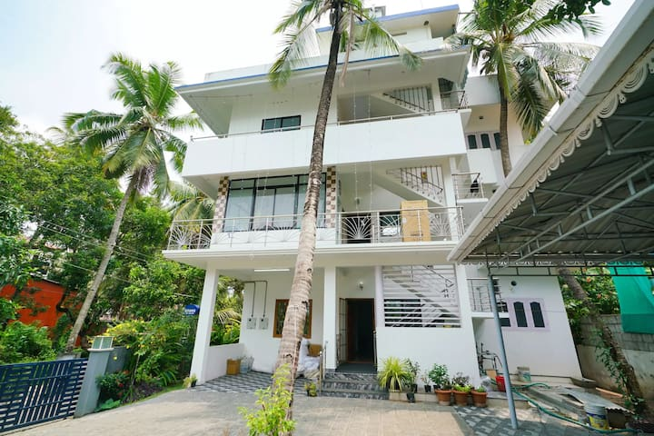 OYO - Lavish 1BR Home in Edapally, Kochi-Marked Down
