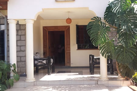 Just at Home Guest House - Nairobi - Bed & Breakfast