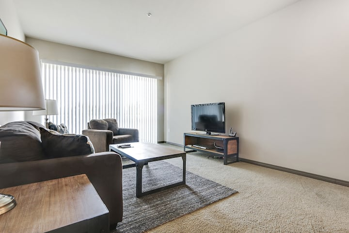 Stunning décor 1BR in the heart of Marina Del Rey