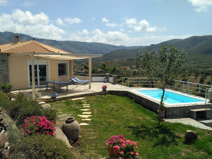 Top of the hill villa swimming pool and sea view