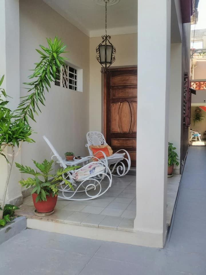 Ruano House, Lovely Room in Havana.