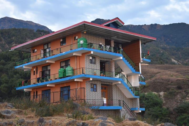 Anavrin apartments - MINI MANIMAHESH PARADISE !