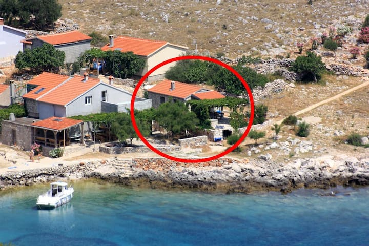 One bedroom house near beach Statival, Kornati (K-8164)