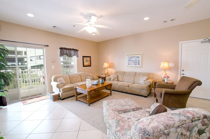 Beautiful and Spacious 4 Bedroom Condo in Cherry Grove! - North Myrtle Beach - Haus