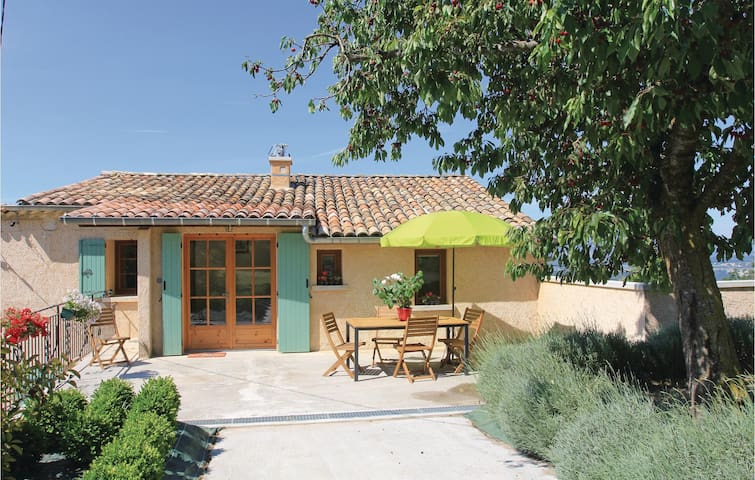 Semi-Detached with 2 bedrooms on 56m² in Sigoyer