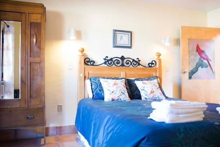 Room at Pandora for up to 3 people in Arivaca