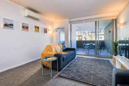 Stylish, Spacious & Perfectly Located! Walk to CBD