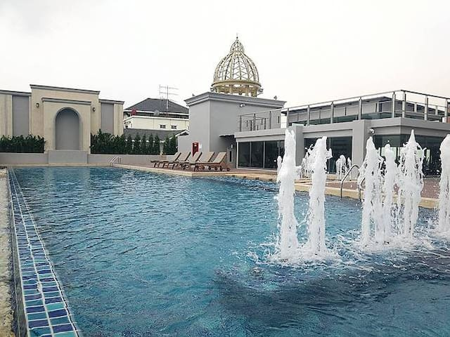 Sukhumvit50 1BR open-roof Pool GYM BTS Onnut Wi-Fi