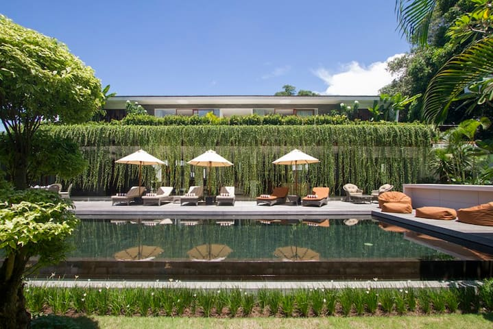 The Muse Tanah Lot, luxurious 4 BR Jungle villa