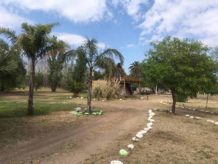 COMPLEJO DE CABAÑAS CON VISTA A LAS SIERRAS