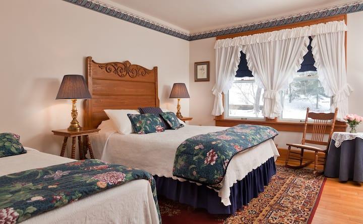 Ash Room - The White Oak Inn