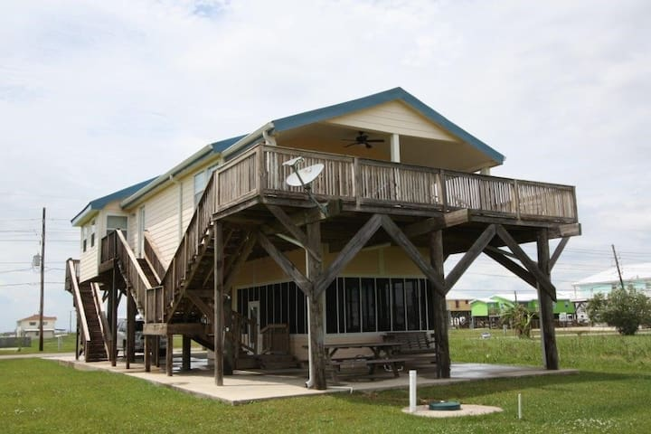 Beach Getaway in Grand Isle with Amazing Beach View- pet friendly - Grand Isle - Huis
