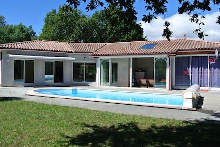 Jolie villa 3 chambres avec piscine à Sanguinet - Sanguinet