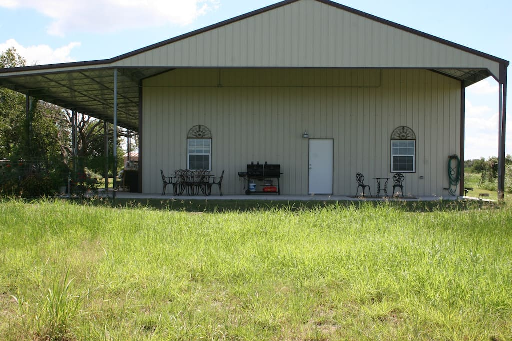 Beautiful private area to have your cookouts.