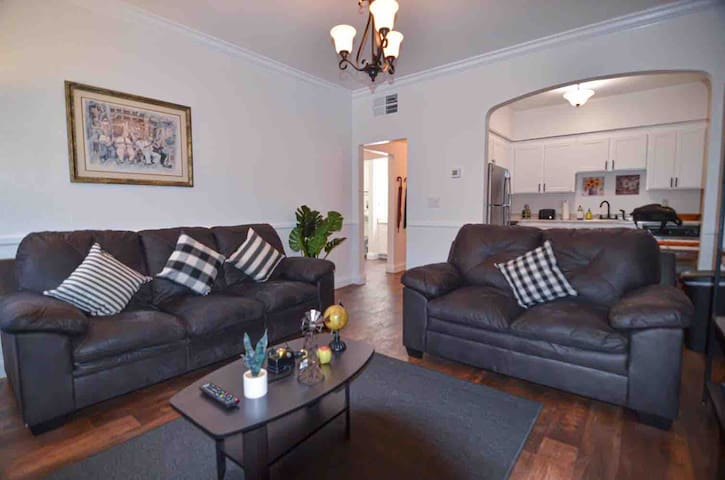 Luxe Apt in Old Sacramento! Walk to Everything!