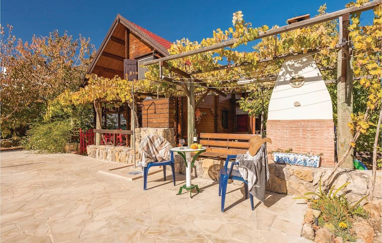 Holiday cottage with 4 bedrooms on 140m² in Arriate