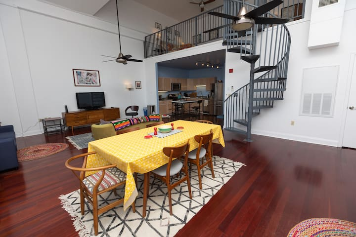 Modern Loft - Minutes to Parades & French Quarter