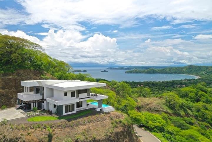 Villa magnifique avec vue panoramique sur la mer
