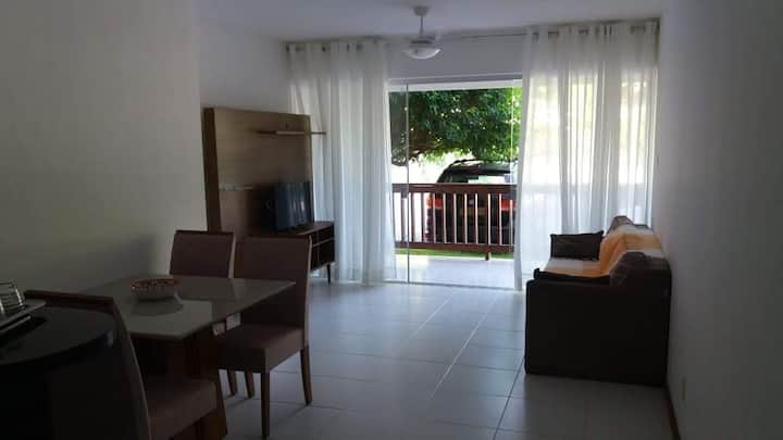 Apartamento no Bosque de Guarajuba, em Monte Gordo