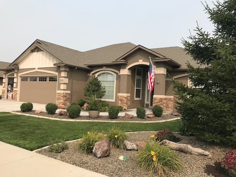 Feel at Home in Nampa—Comfy Guest Room and Bath