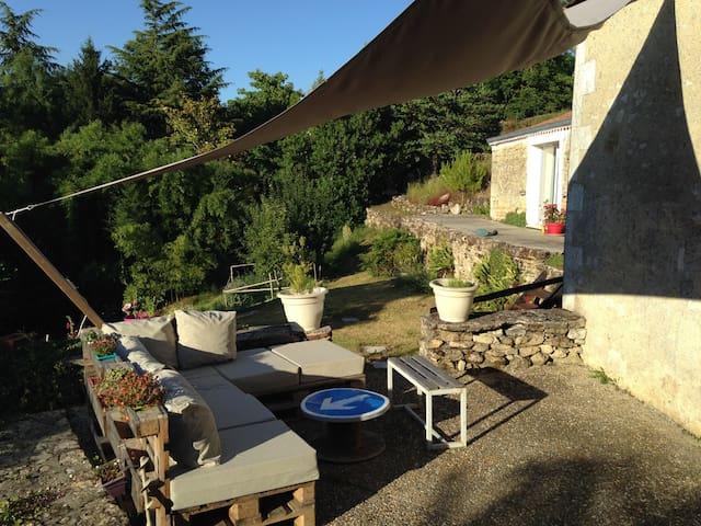 2 Chambres dans petit village - Saint-Simeux - House