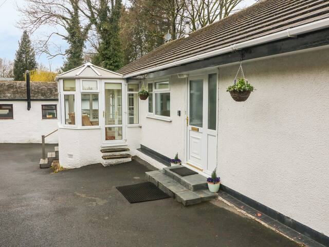 MYLNEBECK LODGE, family friendly in Bowness-On-Windermere, Ref 971001