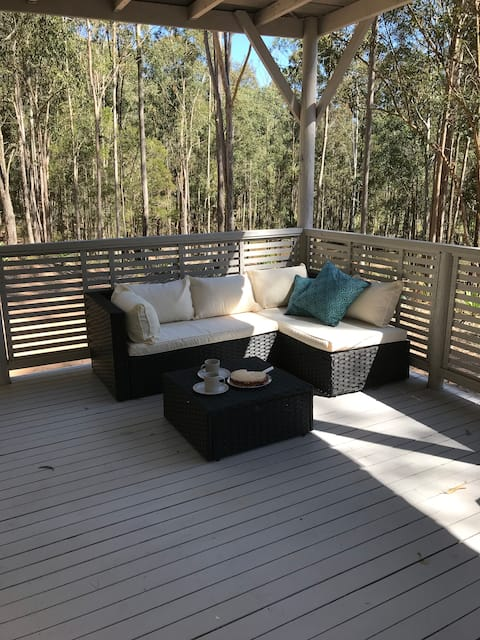 Eco Cabin amongst the Gum Trees
