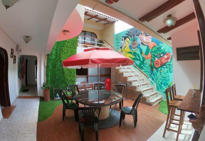 3) Casa Cruz Hostel , TU HOGAR , Lejos de Casa !!!