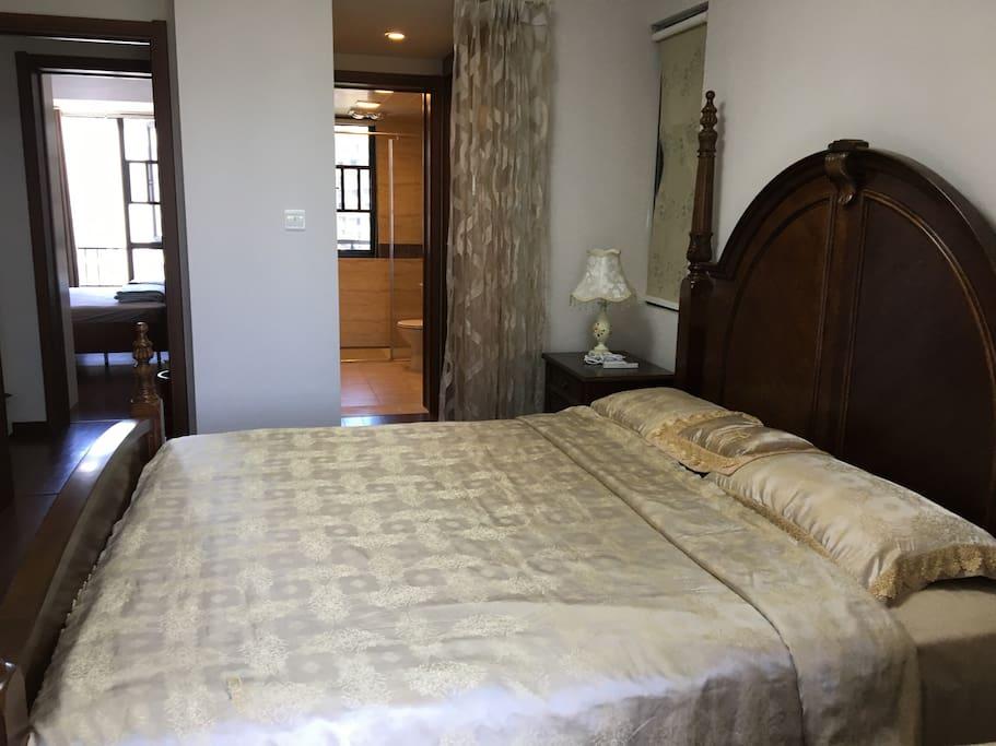 主卧室 真丝床上用品 美克美家品牌欧式1米8大床 护腰睡眠慕思床垫