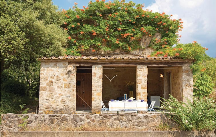 Holiday cottage with 1 bedroom on 45 m² in La Leccia (PI)