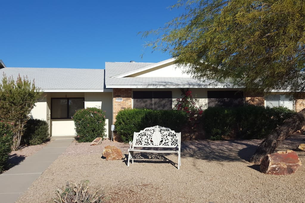 Garden Style attached home, 2 bedrooms, 2 baths
