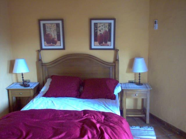 Bedroom Tiñor, Poblado Jirdana I.