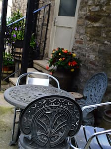 Charming retreat 'The Bolt Hole' in Middleham town