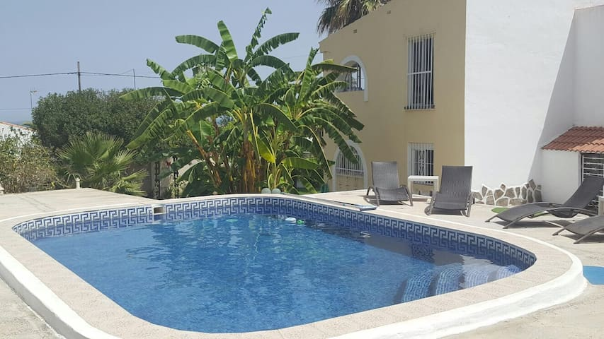 Countryside garden apartment 1 shared pool