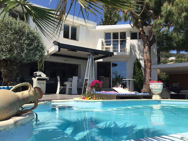 cannes proche VILLA piscine vue MER - Mandelieu-La Napoule - Hus