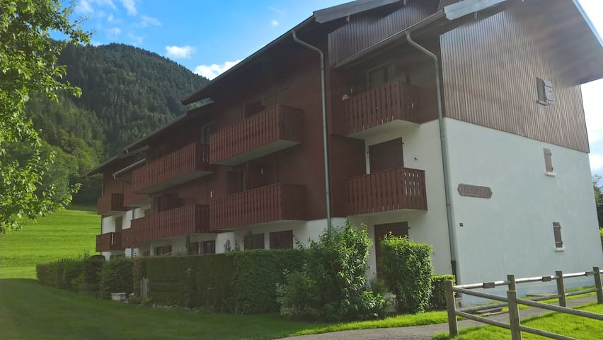 BERNEX - APPARTEMENT TOUT CONFORT - Bernex - Appartamento