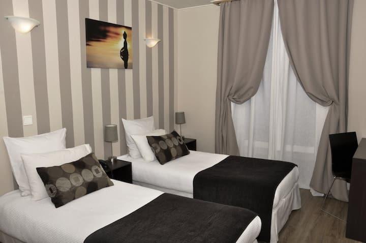 Hotel du Mont Blanc-Paris 05 (twin)