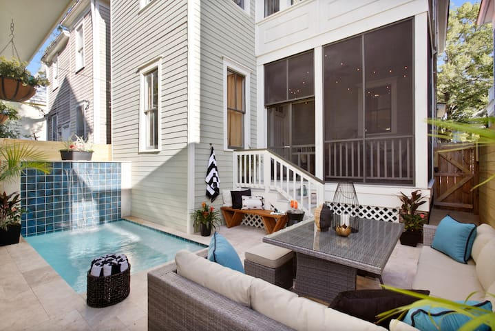 Stayloom's Historic Victorian Luxury Retreat, Pool